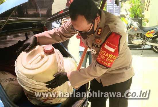 Polisi Bongkar Perdagangan Ilegal BBM Bersubsidi di Kota Batu