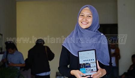 UMSurabaya Beri Bantuan HP Untuk Maba