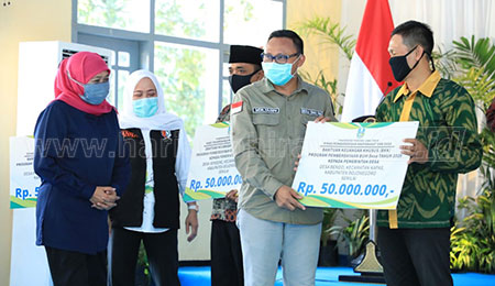 Percepat Pemulihan Ekonomi, Gubernur Khofifah Kucurkan Bantuan Jatim Puspa Rp 23,7 Miliar