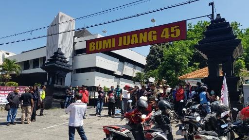 Deklarasi KAMI Ditolak, Aliansi Pemuda Surabaya: Nek Wani Gaweo Partai