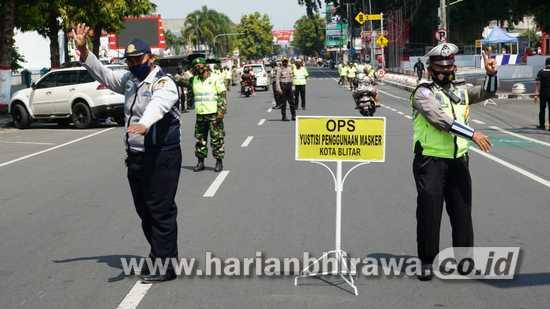 Operasi Wajib Bermasker, Tim Gabungan Kota Blitar Gelar Razia Masker