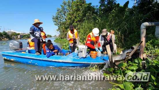 Susuri Kali Surabaya, Pantau Buangan Limbah Lima Industri