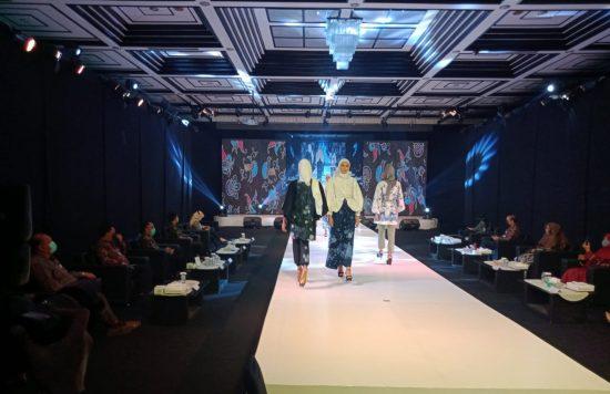 BI Jember Tampilkan Virtual Fashion Show Busana Muslim Batik Lokal Jember