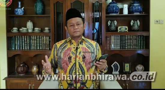 Ketua DPD Golkar Jatim Baca Puisi 'Terbanglah Bayi Rajawali'