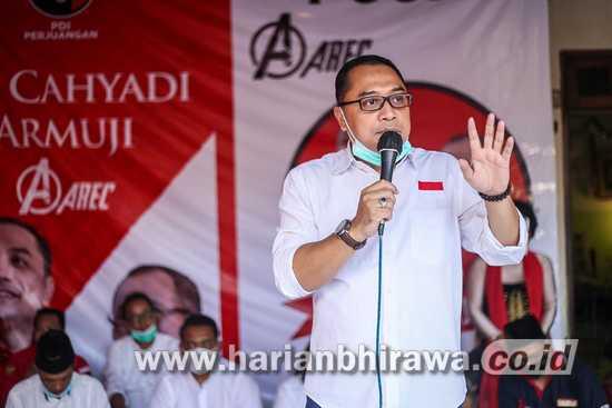 Blusukan, Warga Ingat Kontribusi Jasa Eri Cahyadi Pavingisasi Kampung