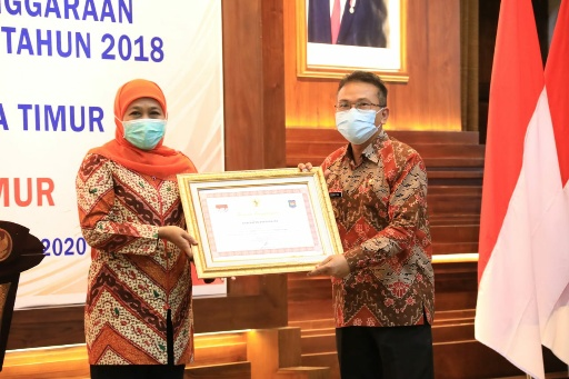 Pjs Bupati Trenggalek Terima Penghargaan Laporan LPPD