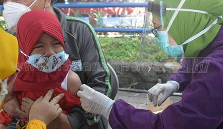 SD Muhammadiyah 15 Surabaya Berikan Imunisasi MR dan HPV