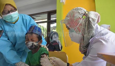 Sebanyak 75 Persen Siswa SD Muhammadiyah 24 Surabaya Ikuti Imunisasi