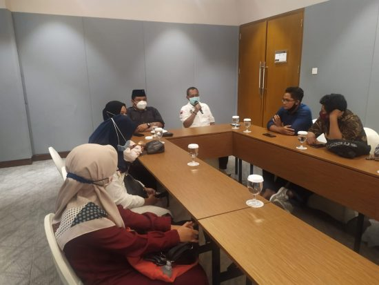 Kerek Daya Saing SDM Surabaya, Armudji Bakal Genjot Beasiswa Kuliah untuk Anak Muda