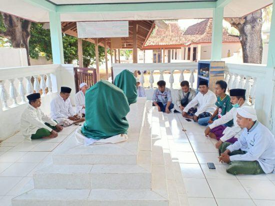 Cabup Sumenep Fattah Jasin Nyekar Asta Joko Tole Jelang Kontestasi Pilkada