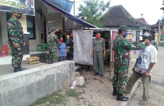 Berantas Covid-19, Koramil 0802/10 Slahung Ponorogo Blusukan Pasar Tradisional