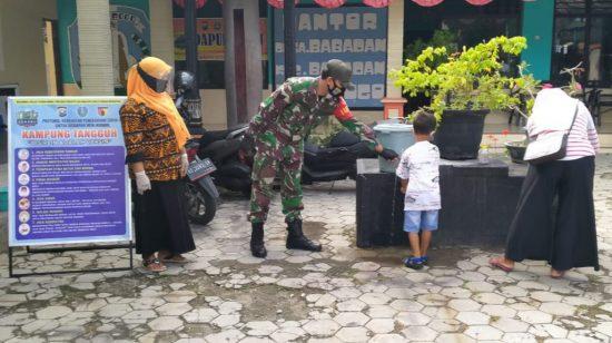 Koramil 0802/03 Babadan Imbau Warga di Posyandu untuk Patuhi Protokol Kesehatan