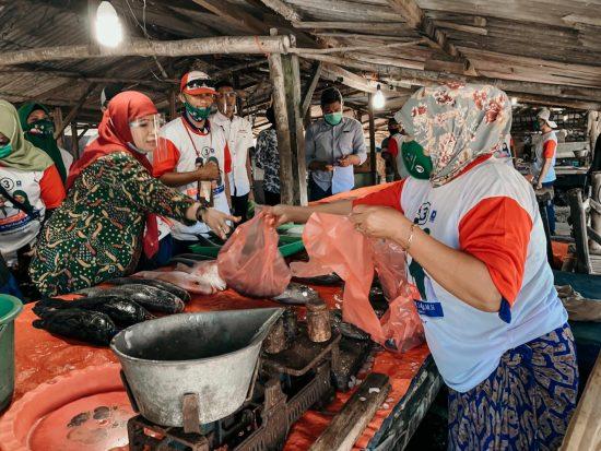 Sapa Pedagang Ikan, Kelana-Astutik Janji Perkuat Digital Marketing TPI  Sidoarjo