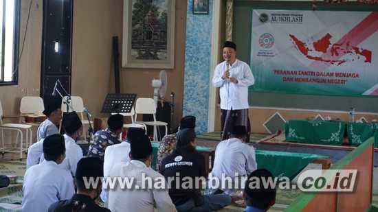 Peringati HSN, Cawabup Alif Ingatkan Santri Jaga Hati dan Saling Menghormati