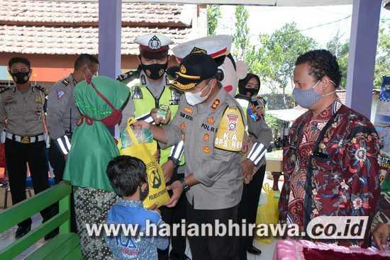 30 Anak Yatim Kabupaten Situbondo Terima Bansos dari Kapolres
