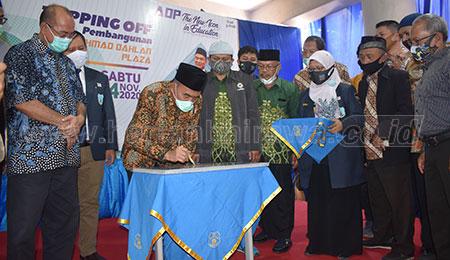 Menko PMK Muhadjir Dukung Surabaya Gelar PTM