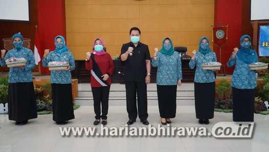 Aksi Simpatik Hari Ibu Ke- 92, Pjs Wali Kota Blitar Jumadi Ajak Ibu-Ibu Perangi Covid-19