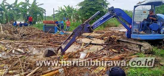 Akibat Rumpun Bambu, Akibatkan Desa  Delik Sumber Kebanjiran