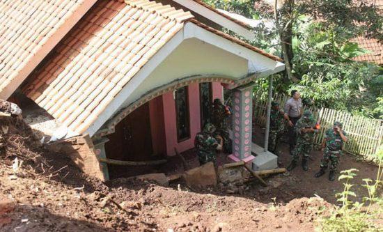 Waspadai Banjir di Kabupaten Probolinggo, Dinas PUPR Pantau Pintu Air