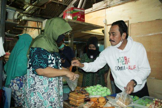 Cabup Dr Mohammad Qosim Datangi Pasar Tambak Janji Perhatikan UMKM