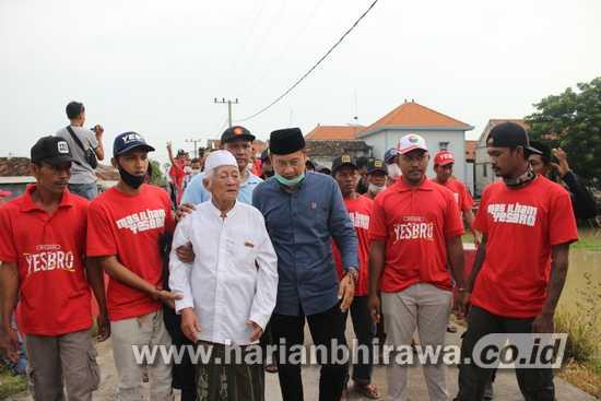 Cabup Lamongan Yuhronur Efendi Kunjungi Kiai K.H. Abdul Jabar