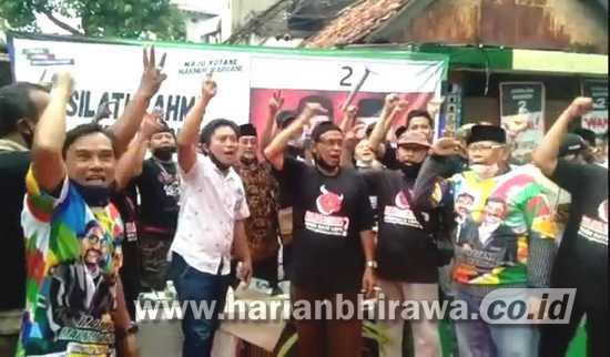 """Viral! Video 19 Detik Pendukung Machfud Arifin Nyanyikan """"Hancurkan Risma Sekarang Juga"""""""