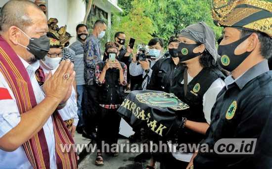 Ketua DPD RI La Nyalla Mattaliti Disambut Antusias Laskar Sasak Lombok