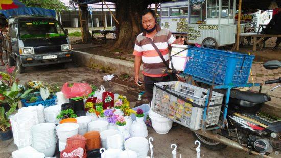 Perjuangan Ditengah Pandemi, Seorang Penjual Keliling Pintar Membaca Peluang