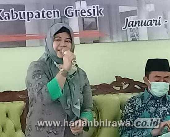 Sosialisasi Perda, Lilik Hidayati Disambati Warga Warung Pangku dan BLT
