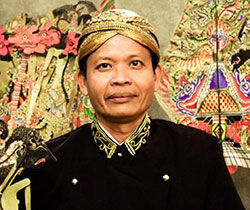 Guru SMP PGRI 1 Buduran Sidoarjo yang Multitalenta