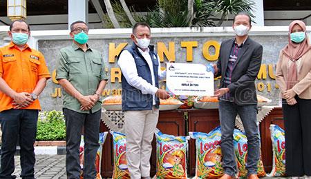 20 Ton Beras untuk Korban Bencana Kalsel dan Sulbar
