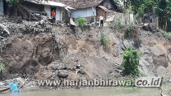 Sempadan Sungai Deluwang Situbondo Longsor, Rumah 25 KK Terancam Ambrol