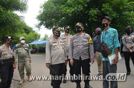 Tekan Covid-19, Satgas Aman Nusa Sosialisasi Prokes di Pasar Hewan