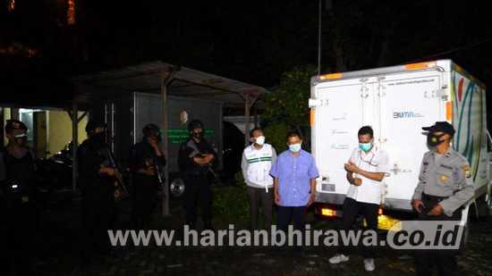 Ribuan Vial Vaksin Covid-19 Tiba di Bojonegoro dengan Pengawalan Ketat