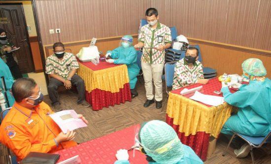IKAPTK Kota Probolinggo Bagi Masker dan Sembako Tangani Pandemi Covid 19