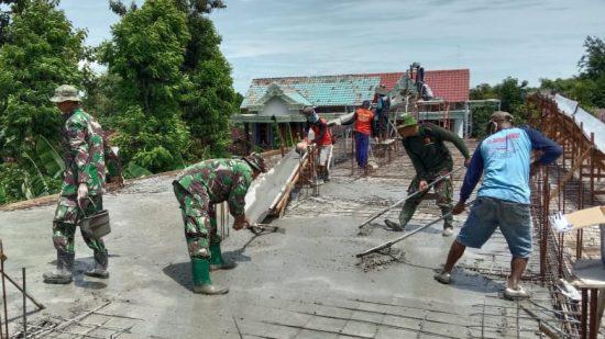Tingkatkan Kemanunggalan, Kodim 0802/Ponorogo Karya Bakti Bangun Pondok Pesantren