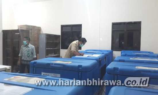 Dinkes Kabupaten Malang Berikan Vaksinasi Covid-19 Perdana Pejabat VVIP