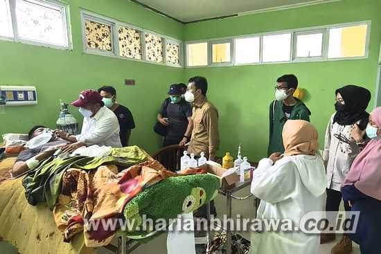 PT Semen Indonesia Tbk SIG Beri Bantuan Medis Korban Gempa di Mamuju