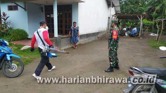 Babinsa Koramil 0814/05 Perak Jombang Cegah Dini Demam Berdarah