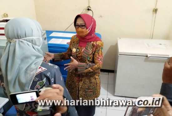 Bupati Pantau Vaksin Sinovac di Kantor Dinkes Kabupaten Jombang