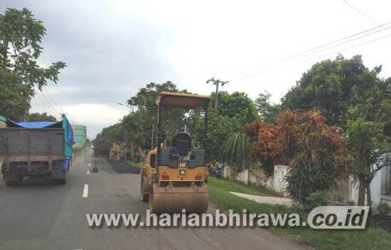 Dinas PU Bina Marga Perbaiki Jalan Provinsi Berlubang di Tulungagung
