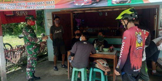 Babinsa Tanjung Wadung Kabuh Blusukan Sosialisasi Pencegahan Covid-19