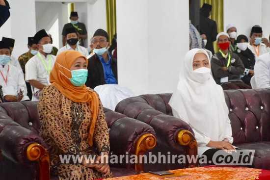 Gubernur Jatim Hadiri Silaturahmi Pesantren dan Program Peserta OPOP