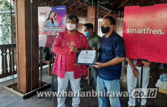 Smartfren Luncurkan e-SIM Pertama di Indonesia dengan Extra Unlimited