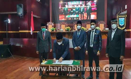 Seluruh Fraksi DPRD Kabupaten Probolinggo Setujui Empat Naskah Raperda