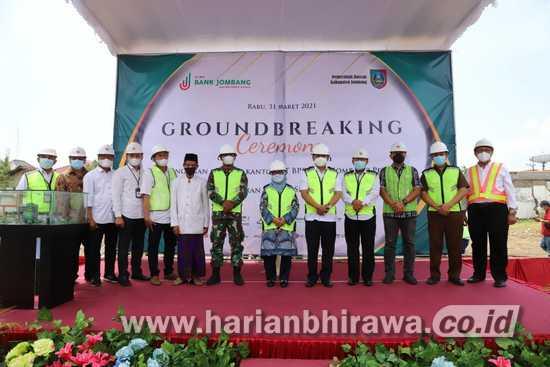 Bupati Lakukan Ground Breaking Pembangunan Gedung Baru Bank Jombang