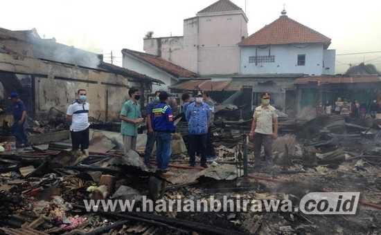 350 Lapak dan Kios Pasar Campurdarat Kabupaten Tulungagung Ludes Terbakar