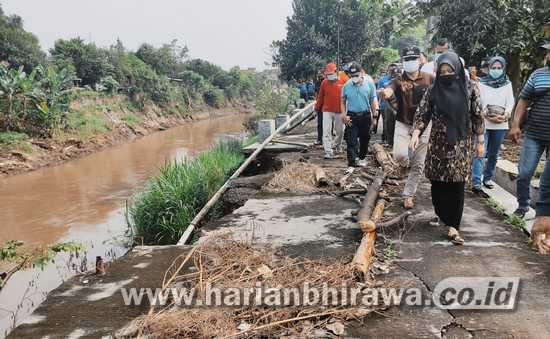 Kerja Bakti Bersama Warga Sooko, Bupati Ajak Stop Buang Sampah di Sungai