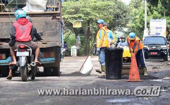 Tunjang Program Pemerintah Pusat, Pemkab Malang LebarkanJalanMalang Selatan