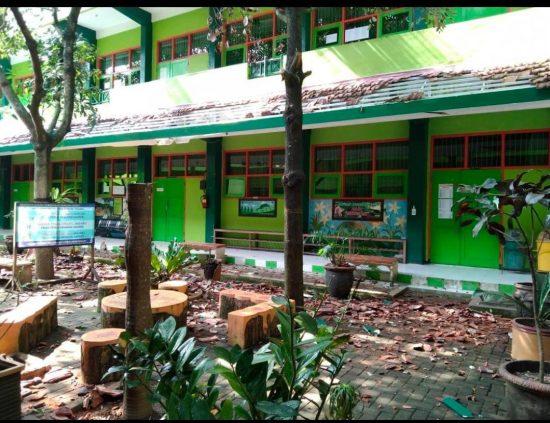 Gempa Berkekuatan 6,7 Magnitudo Rontokkan Gedung SMK Turen